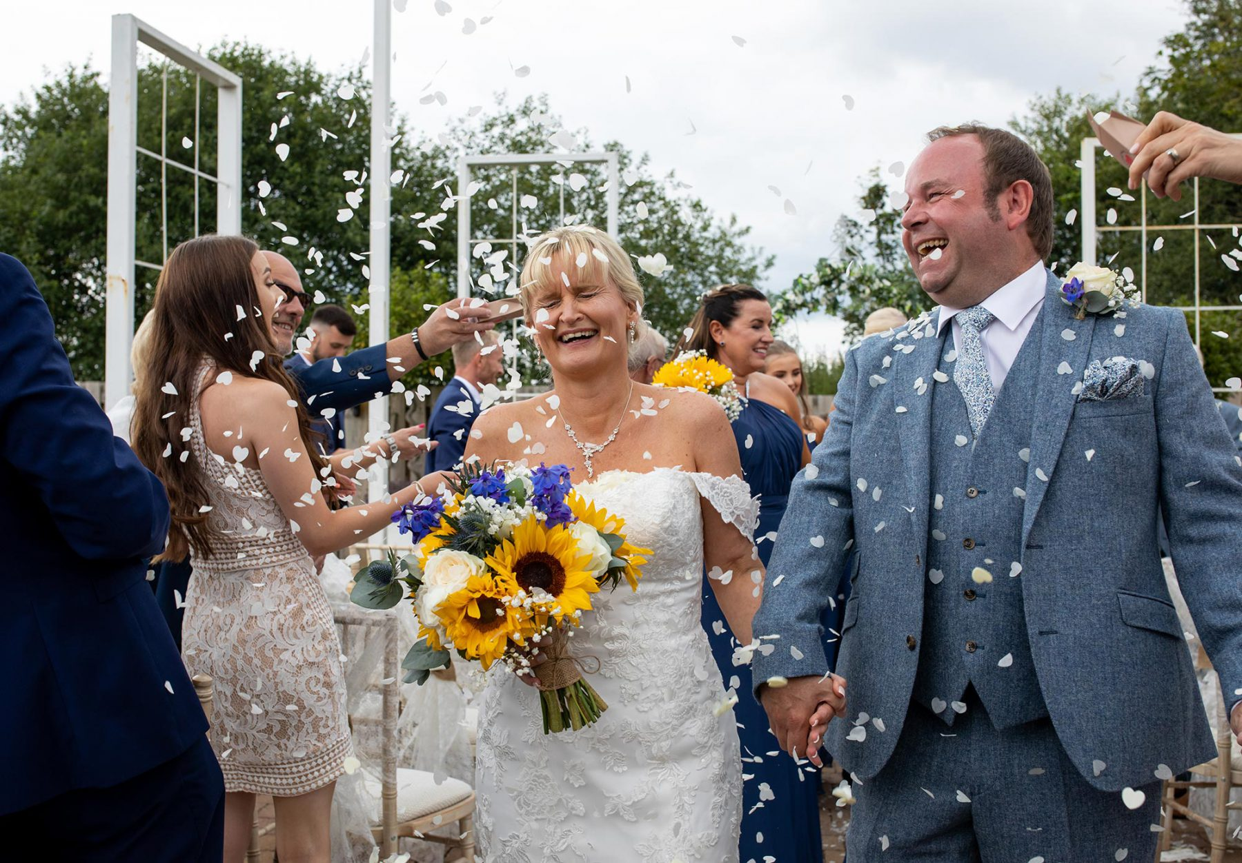 Confetti picture with the bride and groom