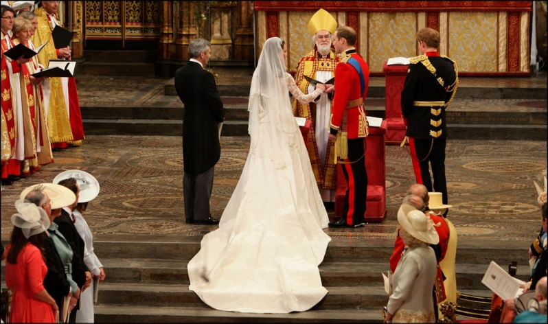 Kate and William at the alter