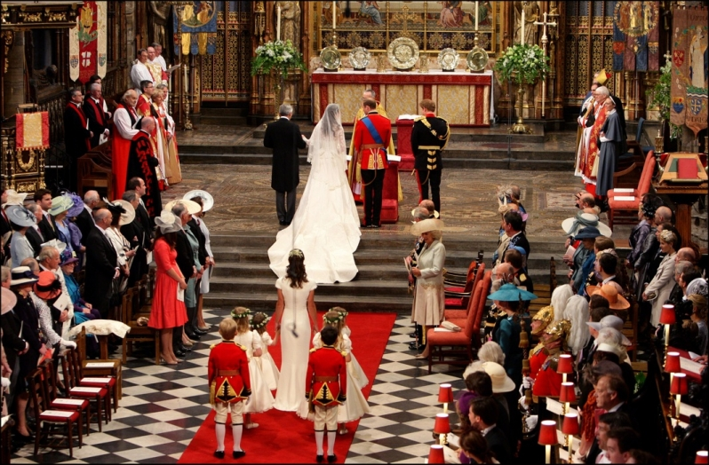 William and Kate at the alter in Westminster Abbey