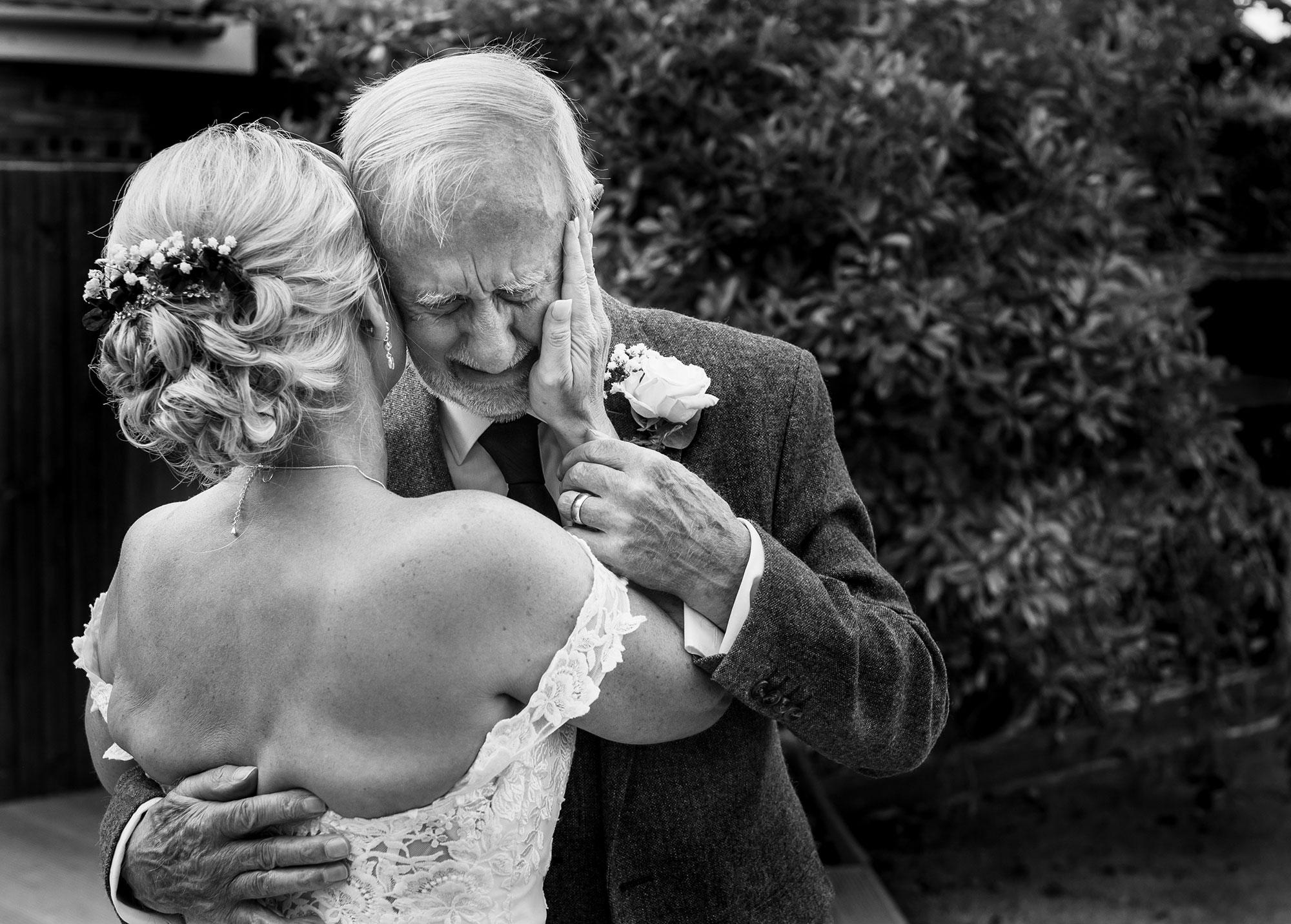 Alcumlow Wedding Barn wedding photography – Mike & Su