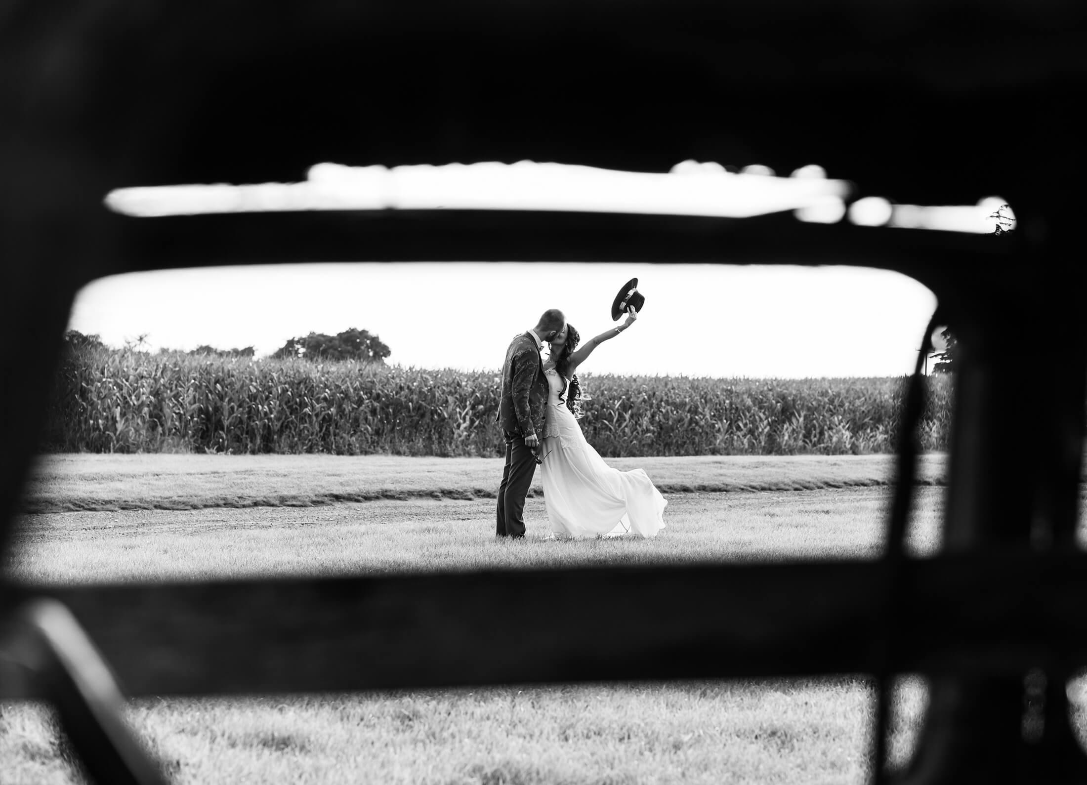 Alcumlow Wedding Barn Photographer – Darren & Laura
