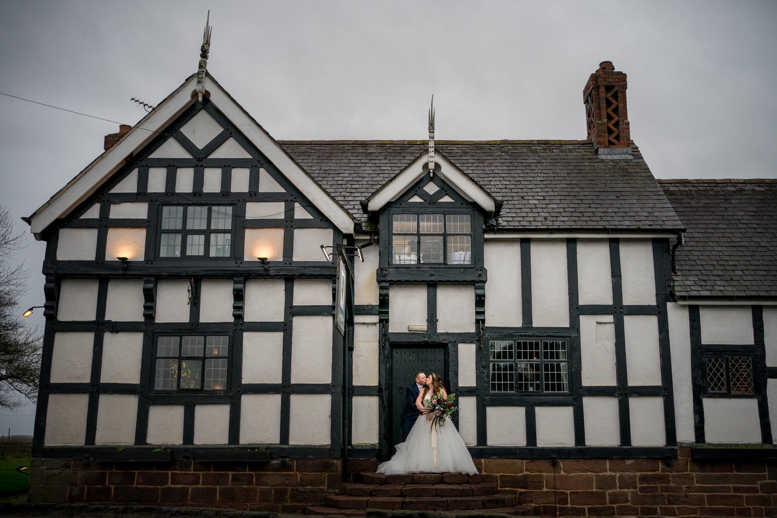 Cock O'Barton wedding Photographer – Katrina & Mike